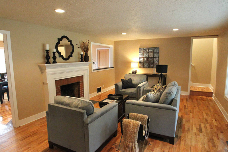 Before and after a bend 70 39 s home remodeled timberline - Living room renovation before and after ...